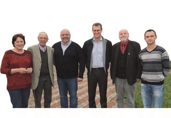 Die Delegation des Deutschen Tierschutzbundes beim Treffen mit Andrej Kotljar, Erster Stellvertreter des Oberbürgermeisters (3. v. l.) und Alexander Ivanizkij, Vorsitzender des Umweltausschusses des Stadtparlamentes von Odessa (4. v. l).