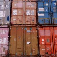 Container am Hafen.