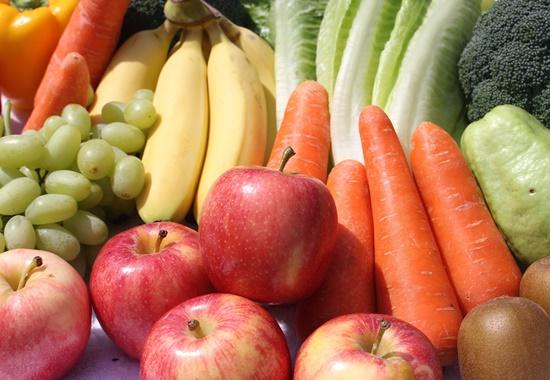 Experten empfehlen mindestens 400 Gramm oder drei Portionen Gemüse täglich.