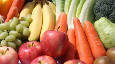 Gemüse und Obst.