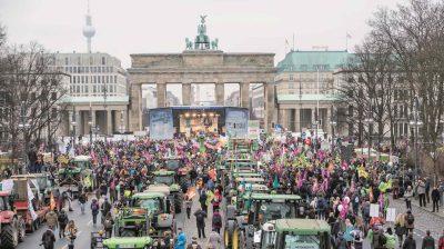 """Einer der Höhepunkte der Internationalen Grünen Woche: die Demo """"Wir haben es satt""""."""