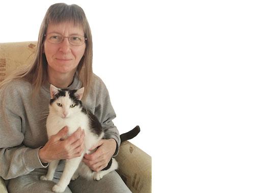 Martina Beyer ist Mitglied beim Deutschen Tierschutzbund und unterstützt ein Katzenprojekt mit ihrer Spende.