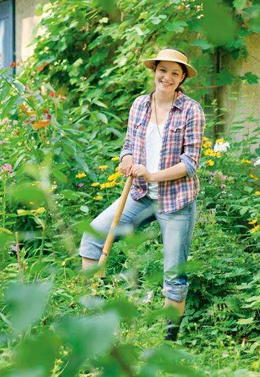 Gartenarbeit kann Spaß machen. Am schönsten ist es, wenn auch die Tiere von den Pflanzen profitieren können.