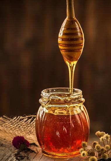 Im internationalen Vergleich verzehren die Deutschen Honig in besonders großen Mengen.