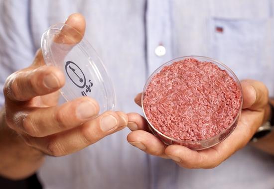Fleisch aus der Petrischale: Optisch ist das künstlich hergestellte Hackfleisch nicht von normalem Fleisch zu unterscheiden.