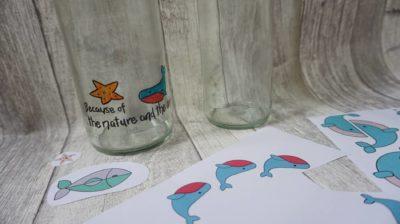 Individuelle Glasflasche für die umweltfreundliche Mehrwegnutzung