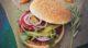 Hot Chiliburger mit gebackenen Kürbisspalten