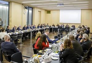 Deutsch-Französischer Gipfel zum Ausstieg aus dem Kükentöten